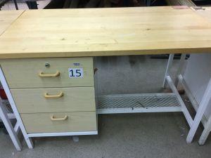 Työpöytä (nro 15)