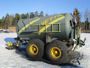 Traktorin vesiperäkärry