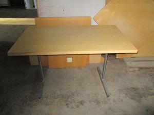 Toimistopöytä nro 1