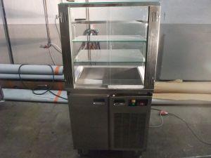 Kylmävitriini/kylmäkaappi