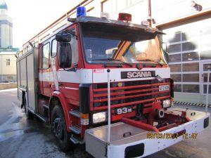 Scania Sammutusauto P 93 ML 8,5L