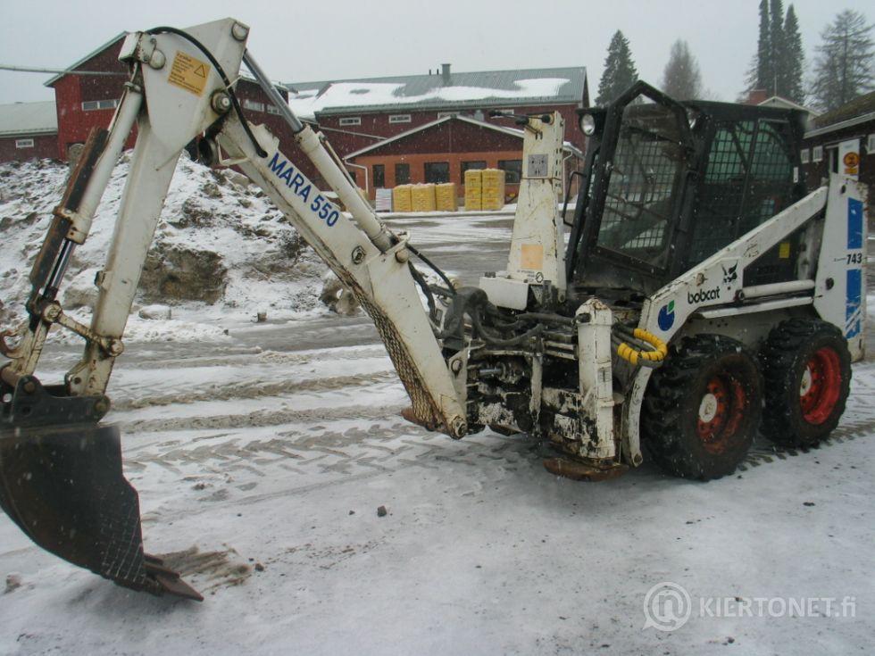 Bobcat 743 4x4 + kaivuri mara 550