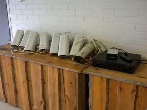 Valvontakamerat ja tallennin