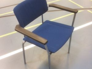 Juhlasalin tuoleja 25 kpl - erä 2