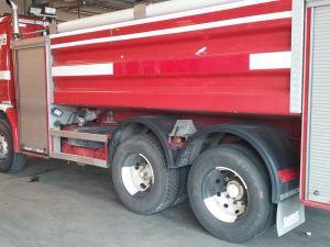 Scania 142 H -säiliöauto