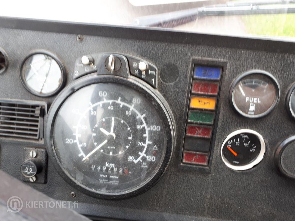 Dodge AMX-805