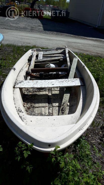 Lasikuituvene