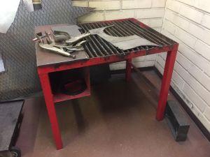 Hitsauspöytä punainen1