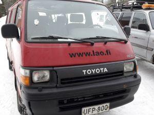 Pienoisbussi Toyota Hi Ace