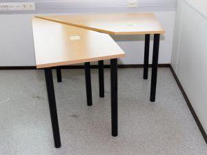 2 kpl pöytiä