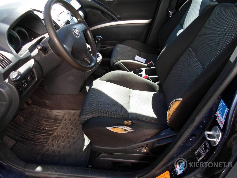 Toyota Corolla Verso 5D STW 2.2