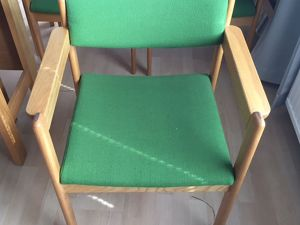 27 kpl käsinojallisia tuoleja