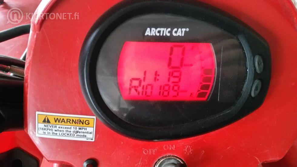 Mönkijä Arctic Cat 650, 4x4