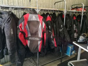 MP varusteet: MP -asun takki,musta, 4XL-koko  (nro 14)