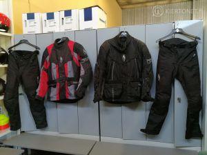 MP varusteet: Punamusta Rican takki XL-koko  (nro 19)