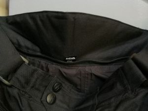 MP varusteet:Rican housut, L-koko (nro 12)