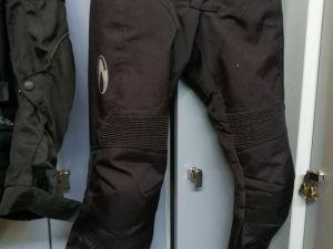 MP varusteet: Rican housut L-koko (nro 16)