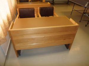 Pöytiä + tuoleja