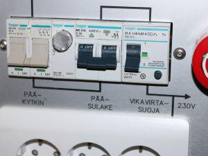 TELEMERKKI -sähkökorjauspisteen laitepaneeli, nro 1