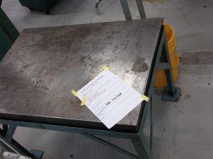 Teräspöytä, paksu teräs (laani)