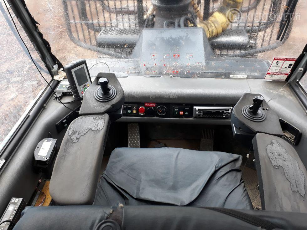 Metsätraktori Ponsse Caribou S10