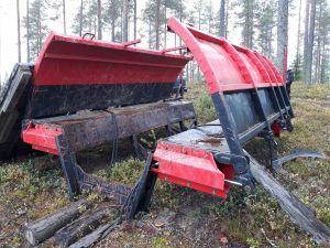 Metsätraktorin energiapuulaidat