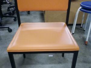 Käsinojattomia tuoleja 2 kpl