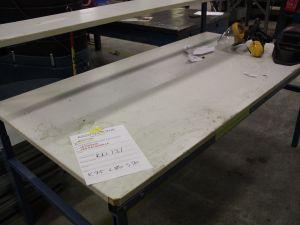 Kaksitasoinen pöytä valkoinen (KN131)