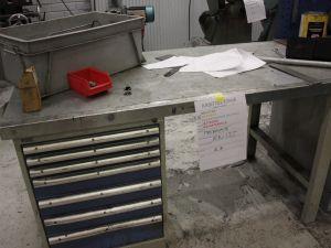 Työpöytä ja laatikosto GWS (KN135)