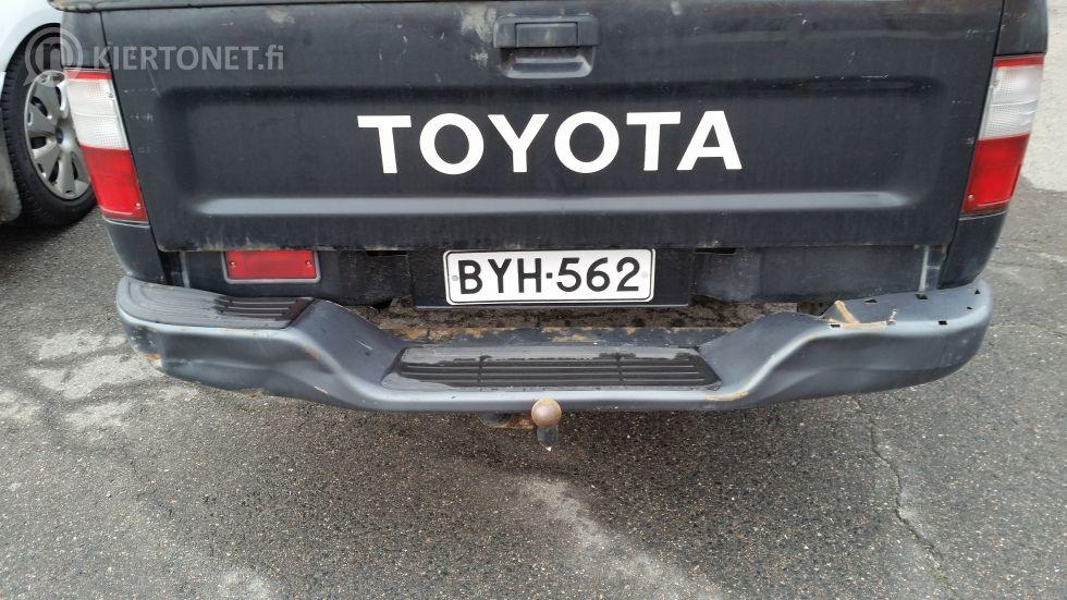Pakettiauto Toyota Hilux 2WD