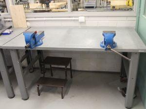 Metallityöpöytä