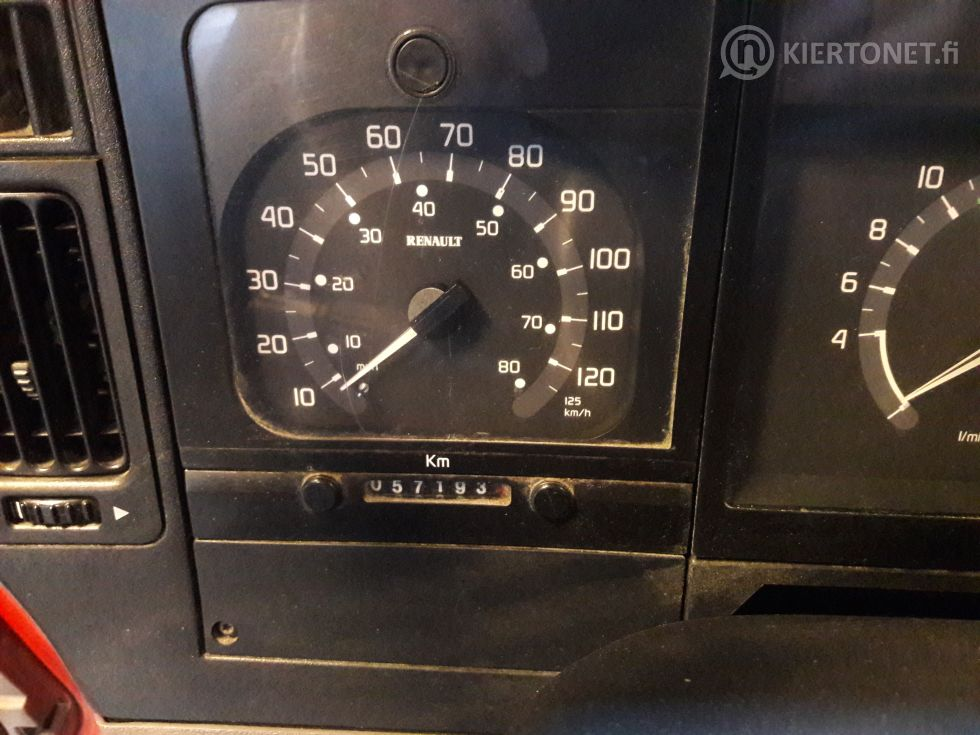 Renault Premium 260 -sammutusauto kalustoineen, ajettu vain 57500 km.