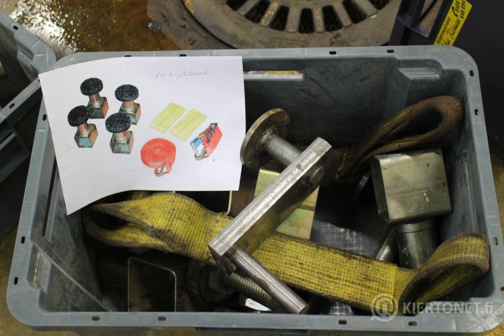 Korin oikaisupenkki Autorobot B20 varusteineen
