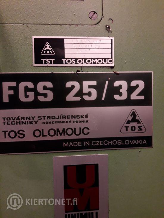Yleisjyrsinkone TOS FGS 25/32