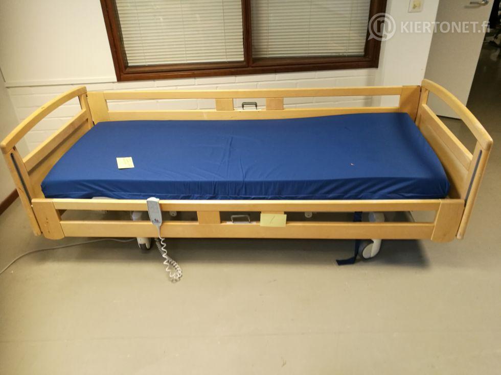 Sähkösäätöinen sairaalasänky nro 1