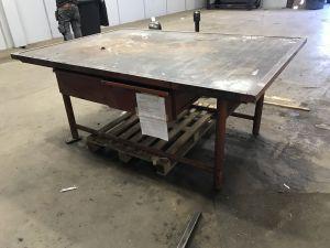 Työpöytä (KN758)