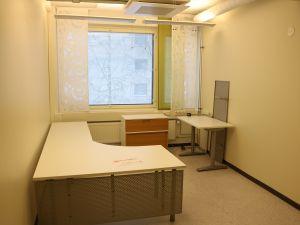Iso toimistopöytä+rulo+verhot - nro 59