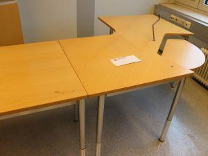 Toimistopöytä (nro 7)