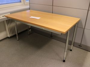 Pöytä (nro 23)