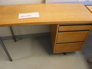 Martelan toimistopöytä (nro 34)