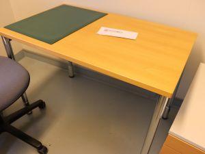 Martelan toimistopöytä (nro 36)