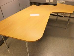 Martelan toimistopöytä (nro 44)