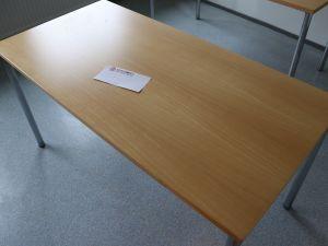 Pöytä (nro 67)