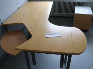 Toimistopöytä (nro 73)
