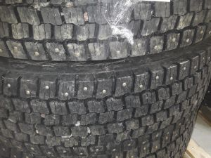 Pirelli TW 25 315/80 R 22,5, nastarenkaat 3 kpl