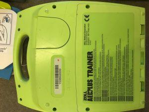 Zoll AED plus trainer harjoitusdefibrillaattori (3)