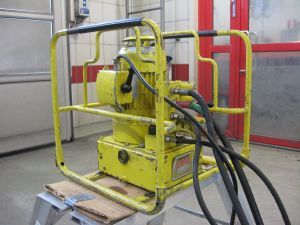 Sähkökäyttöinen hydrauliyksikkö ja hydraulityökaluja