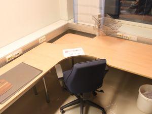 Toimistopöytä + tuoli - nro 87.2