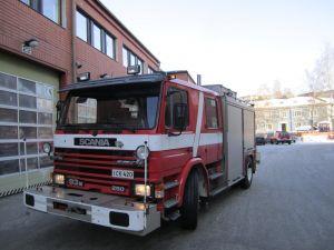 Scania P93ML Sammutusauto Nosturilla, ajettu vain 55 302 km