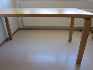 Artek pöytä 8